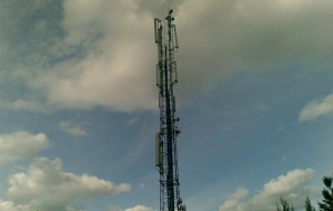 800px-Cell_towerskycrop.jpg