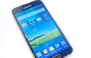 Samsung CEO JK Shin unveils the Samsung Galaxy S5 in Barcelona