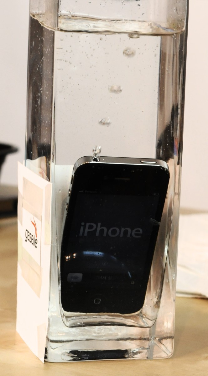 Each of our test phones spent ten seconds under water - plenty of time for all of the bubbles to escape.