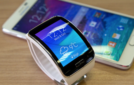 The Samsung Gear S: The Smartwatch to Replace Your Smartphone?