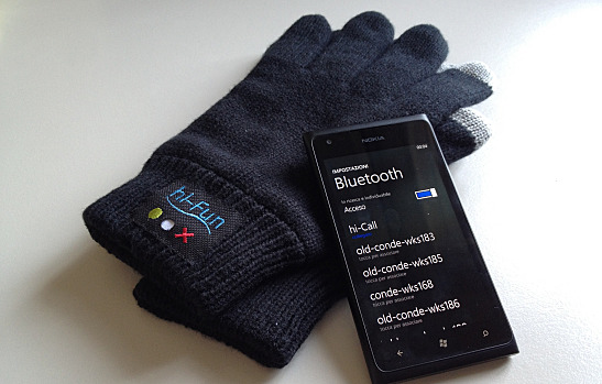 hi-Call glove and bluetooth phone